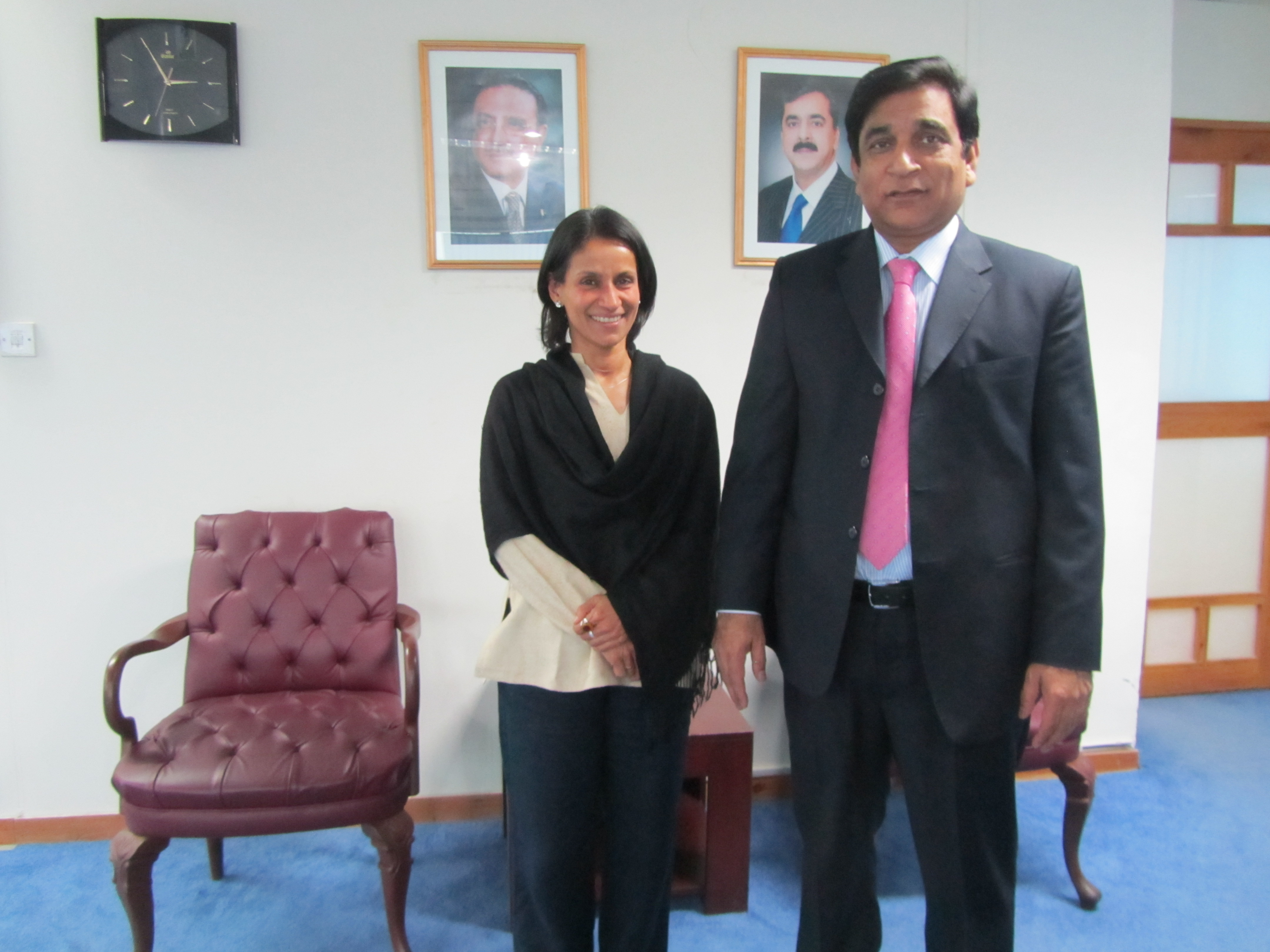 MRG's Shobha Das with Dr Paul Bhatti, Pakistan's Minister for National Harmony and Minority Affairs.