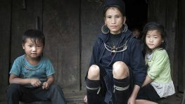 A mother and her three children, part of the indigenous Hmong group, in Sin Chai, northwestern Viet Nam