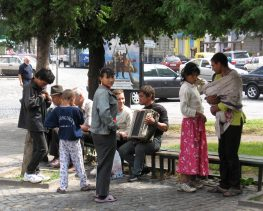 A partnership for all: Developing strategies for socio-economic cooperation between Roma communities and local authorities in Ukraine