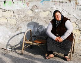 Cristina, a Roma woman who stayed in the Gianturco settlement, Italy, as her community was evicted. Credit: Amnesty International / Claudio Menna.