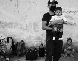Hazara family of refugees in Greece. Photo: Karol Grygoruk